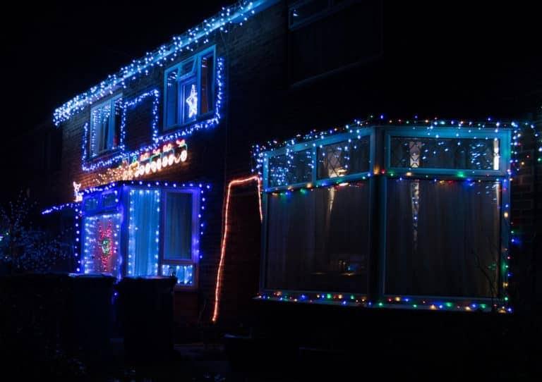 Day 20 Go for a walk to see the neighbourhood Christmas lights