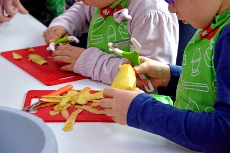 When to start teaching children about nutrition