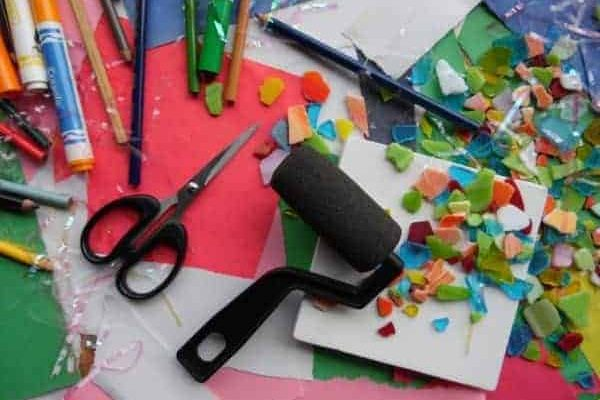Party arts and crafts table